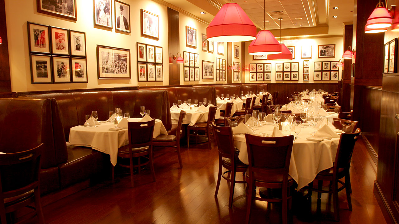inside of gallaghers steakhouse